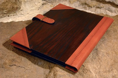 Leather Folder (XL)