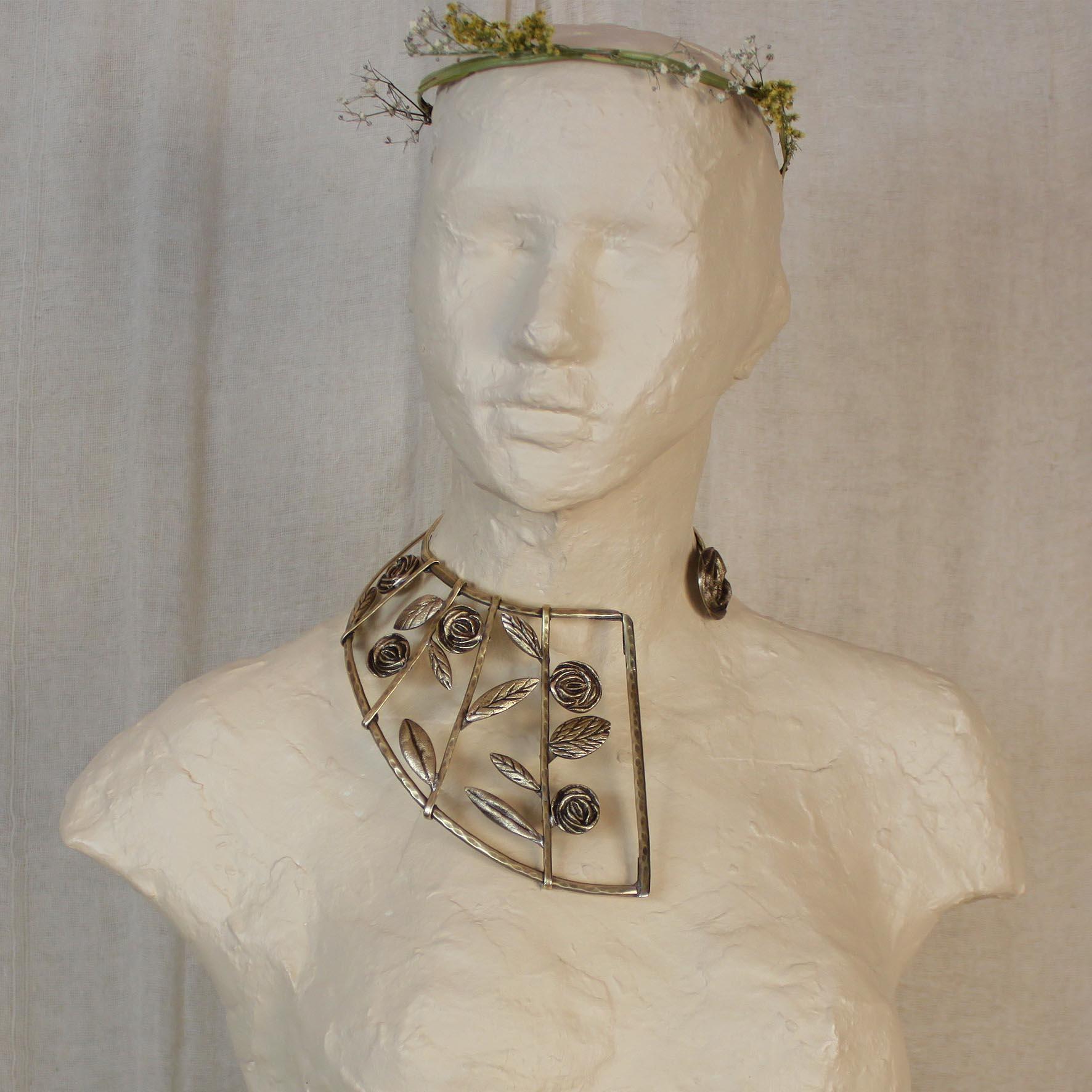 Large Origin Roses Necklace