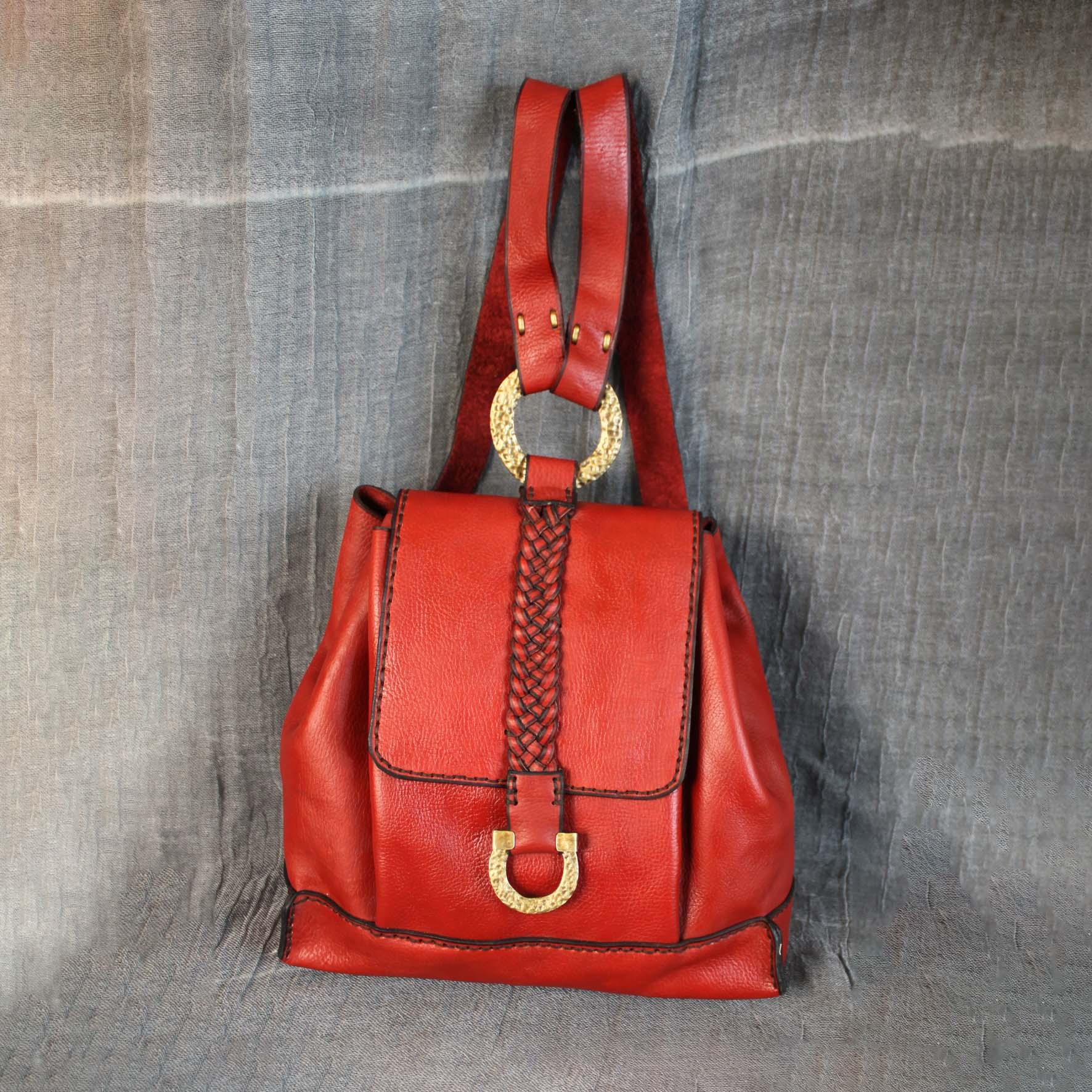 Nada Small Shoulder Bag
