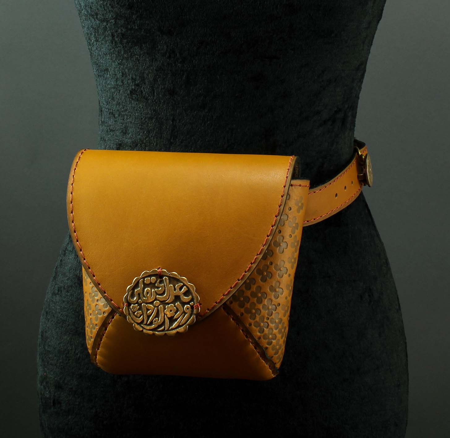 """Rose of roses"" waist bag"