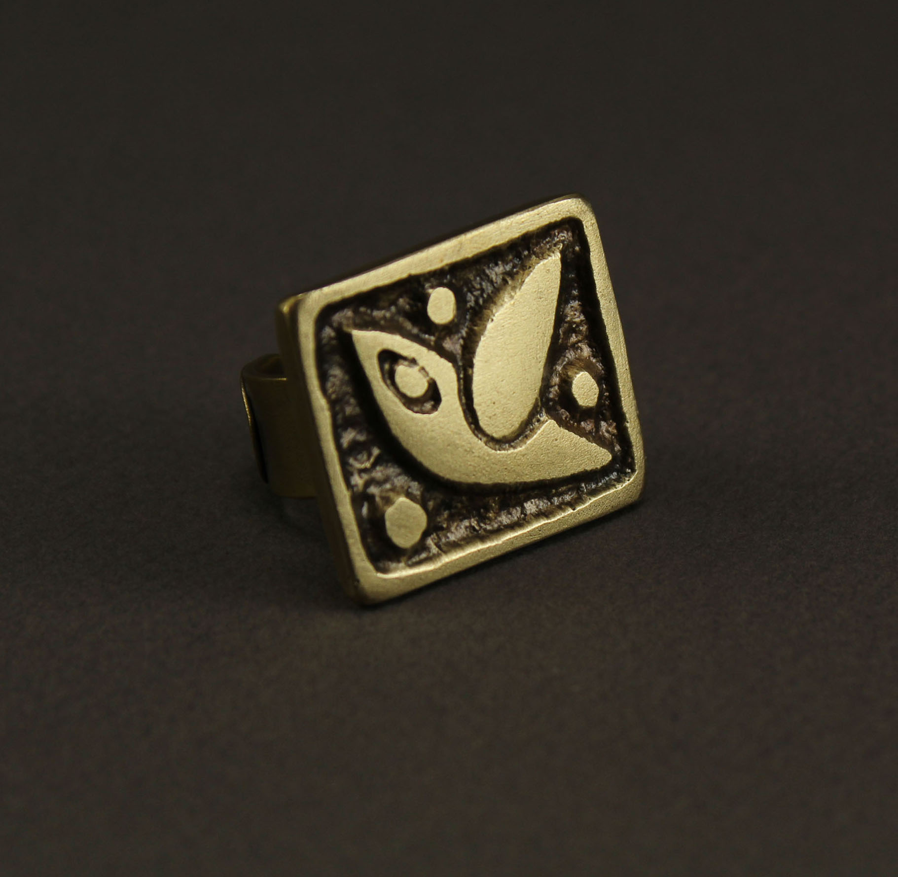 Square Pigeon Ring