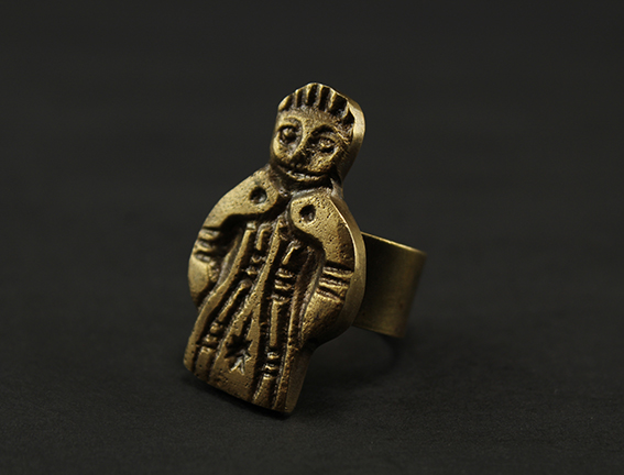 "Festive ""Mouled"" Doll Ring"