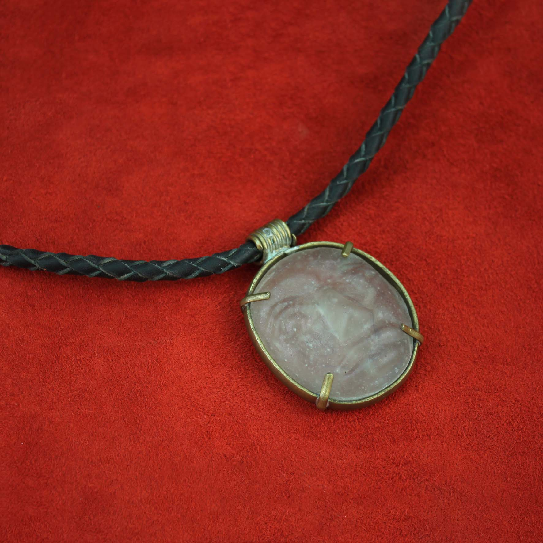 Braid Glass Normal Face Necklace