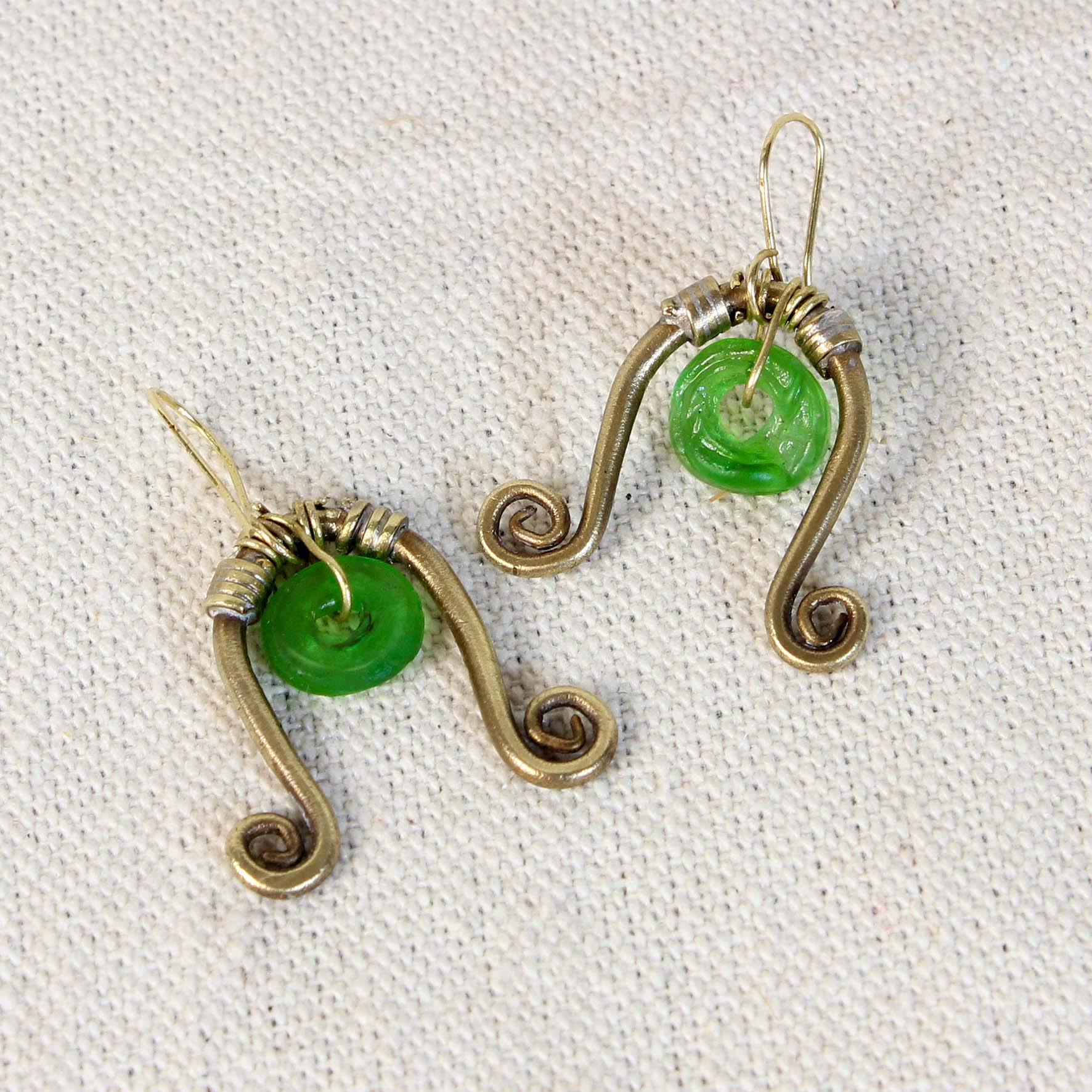 Spiral wire Glass Earring