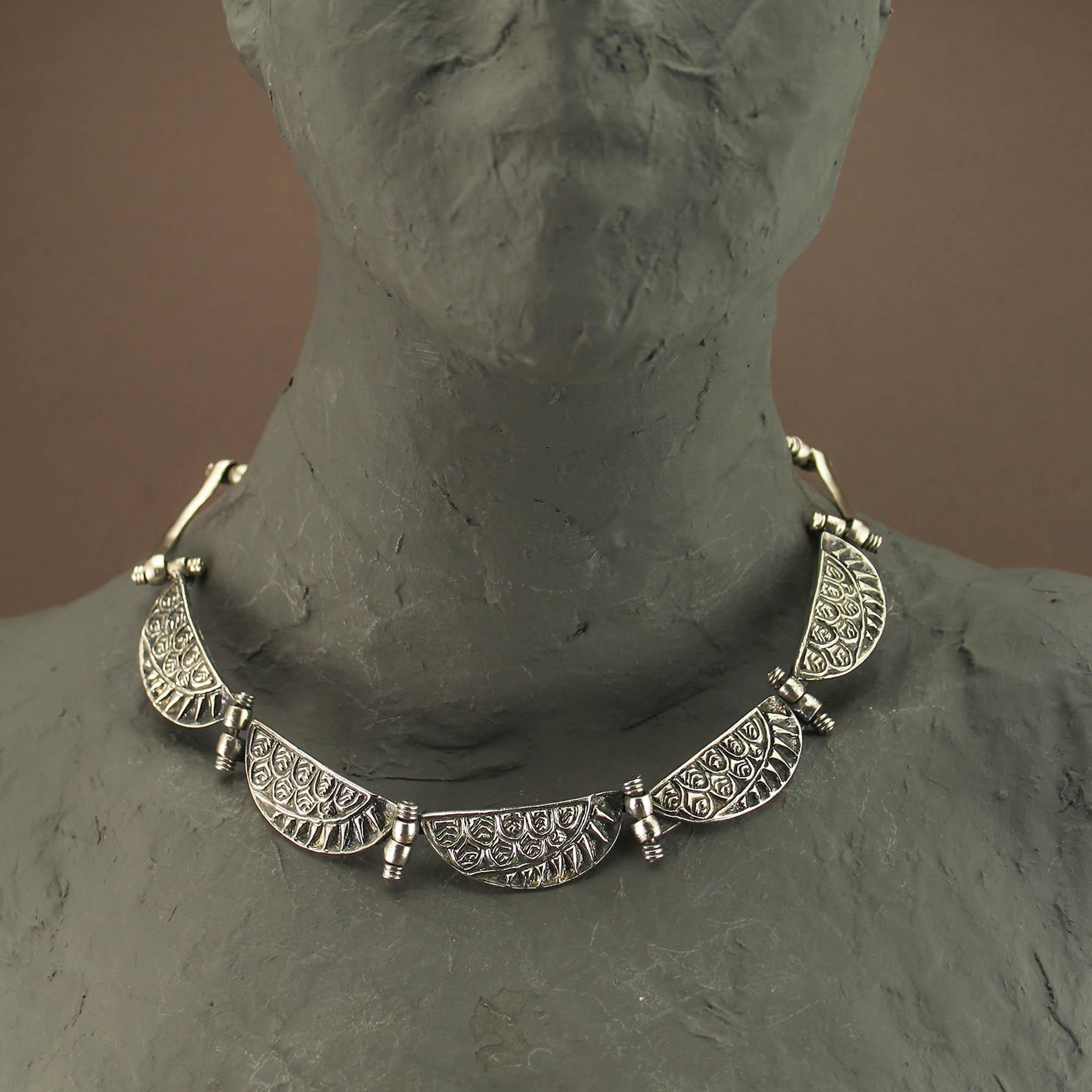 Semicircular Wing Necklace